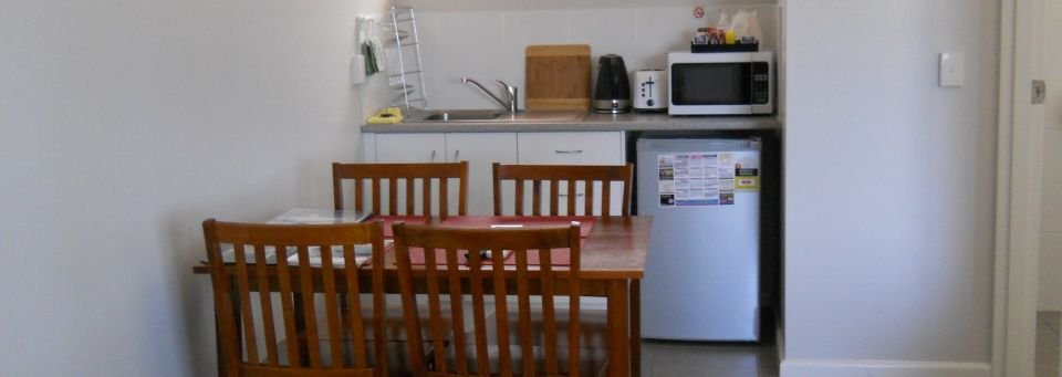 Main-Street-Motel-kitchen